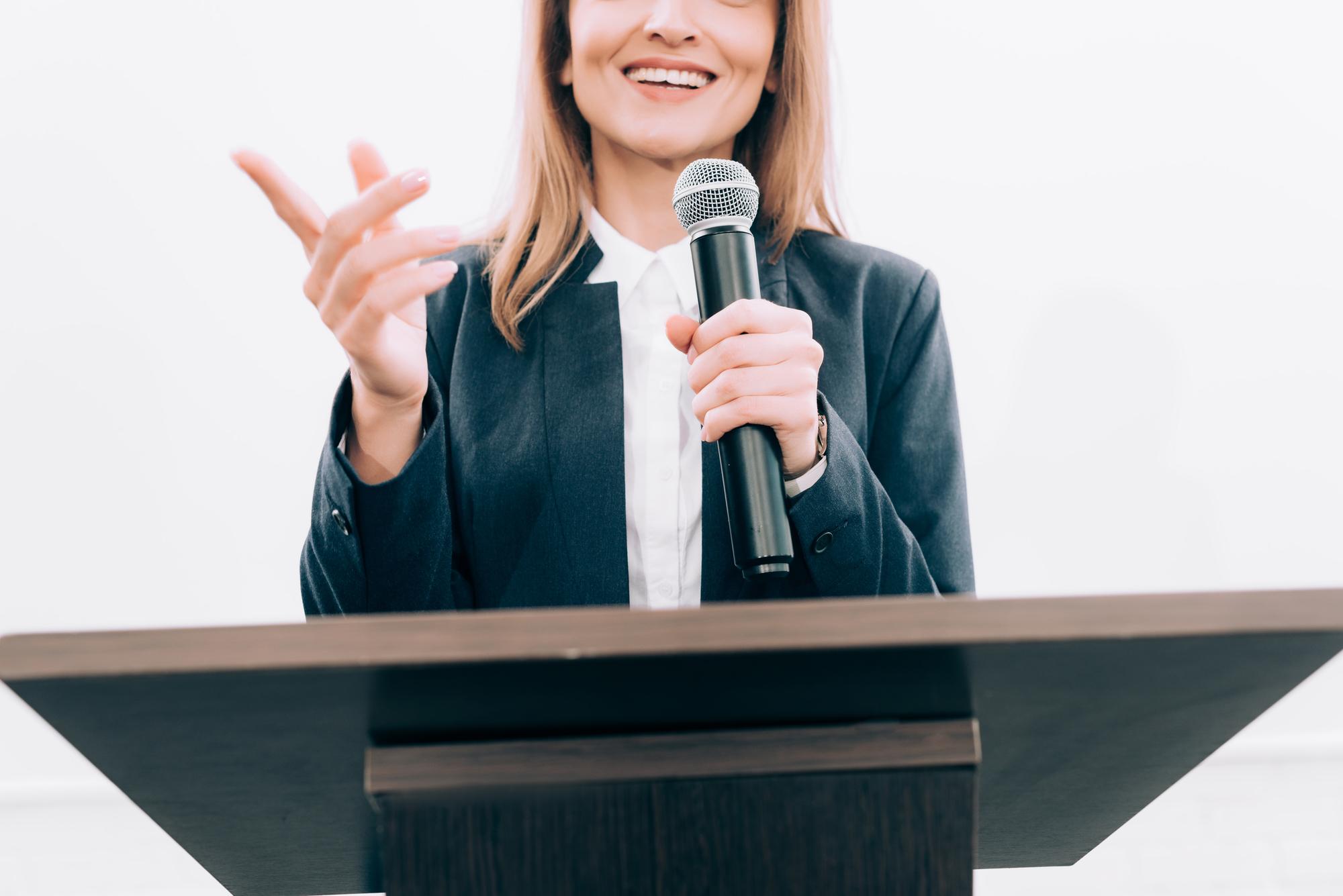 Public Speaking Skill: Trik Anti Panik Saat Bicara di Depan Publik